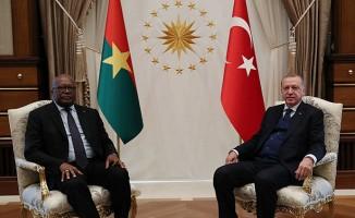Cumhurbaşkanı Kabore Cumhurbaşkanlığı Külliyesinde