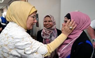 ABD'li Müslüman toplumun kadın temsilcileriyle buluştu