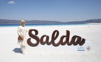 Salda Gölü'nü ziyaret etti