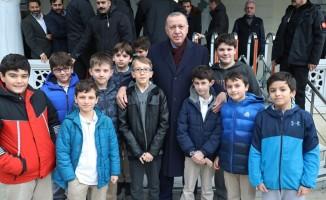 Başkan Erdoğan, Cuma namazını Hazreti Ali Camii'nde kıldı