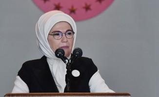 İslam'ın kadına verdiği değeri anlatamıyoruz