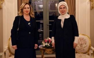 Emine Erdoğan, Sibel Tatar ile görüştü