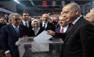 Başkan Erdoğan, Kongre'de oyunu kullandı