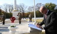 Başkan Erdoğan, Galiçya Türk Şehitliği'ni ziyaret etti