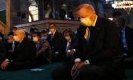 Ayasofya Camii'nde tarihi gün! 86 yıl sonra ilk namaz...