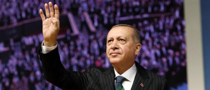 Türk siyaseti yürütülen pazarlıklarla kirletildi