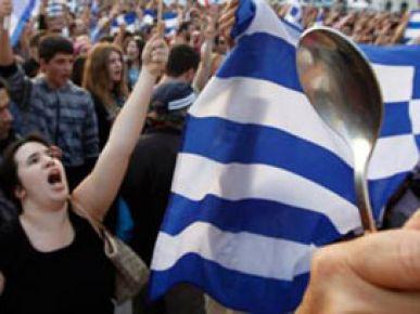 Yunan halkı hükümeti istifaya çağırdı